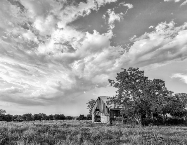 Barn B&W IMG_3144_July 12, 2013